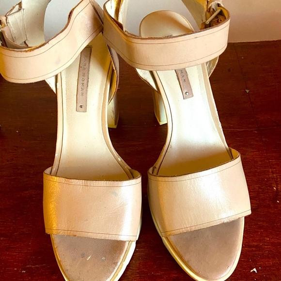 Platform Sandal gently worn. Nice look on foot